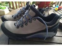 Merrell ladie's walking/hiking shoes Dove grey UK 8 Gore-tex