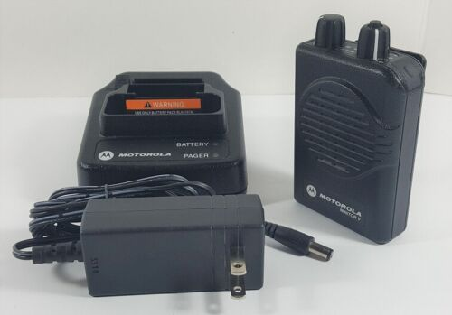 MOTOROLA MINITOR V VHF 2-Channel Stored Voice Pager A03KMS9238BC