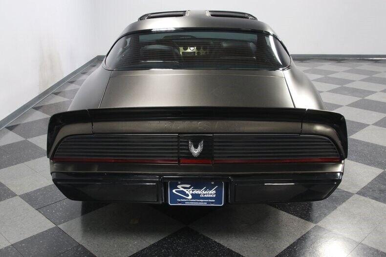Image 12 Voiture Américaine de collection Pontiac Firebird 1981