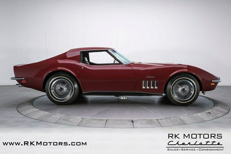 1969 Burgundy Chevrolet Corvette   | C3 Corvette Photo 9