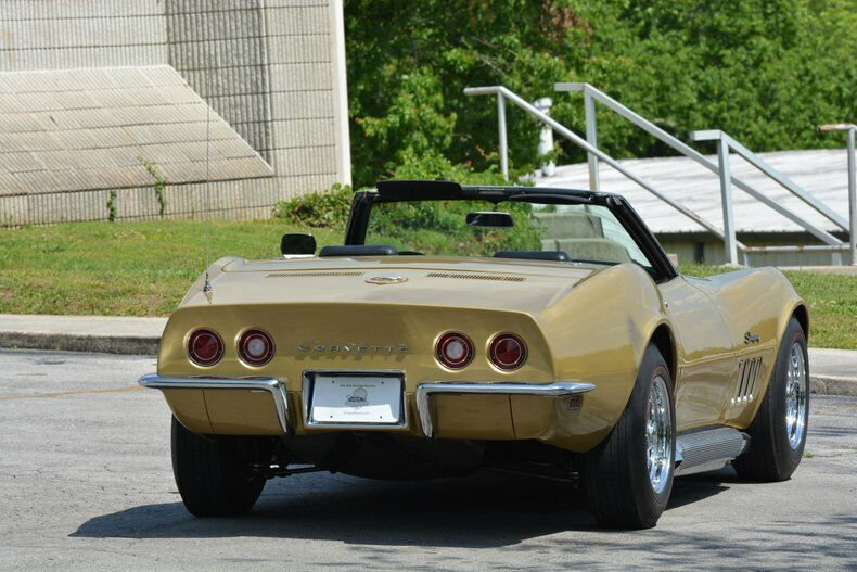 1969 Gold Chevrolet Corvette Convertible  | C3 Corvette Photo 8