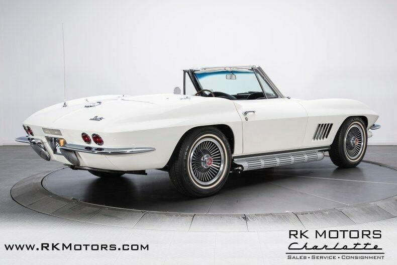 1967 White Chevrolet Corvette   | C2 Corvette Photo 2