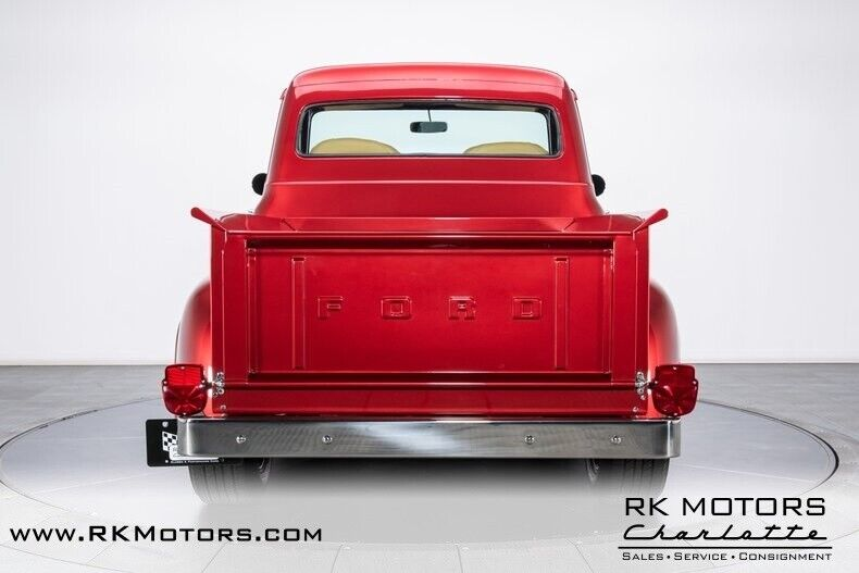 Image 24 Voiture American classic Ford F-100 1953