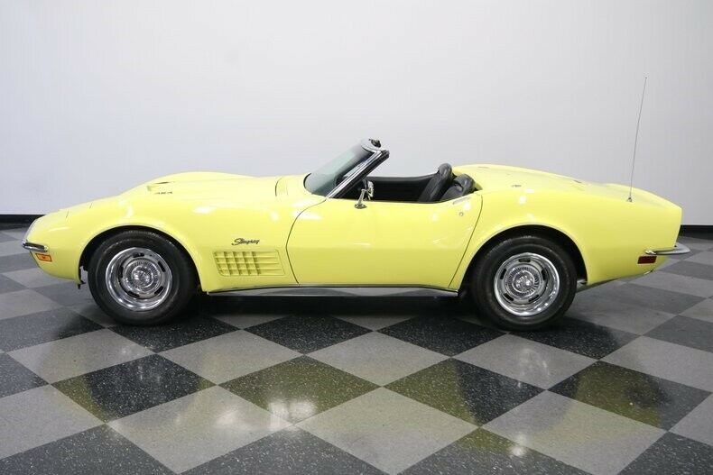 1970 Yellow Chevrolet Corvette Convertible  | C3 Corvette Photo 3