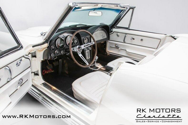 1967 White Chevrolet Corvette   | C2 Corvette Photo 3
