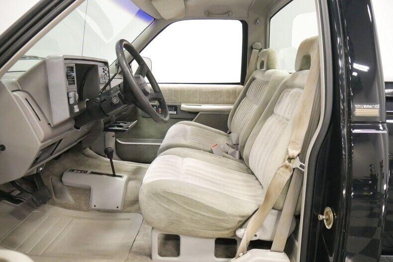 Image 5 Voiture Américaine d'occasion C-K Pickup 1500 1993