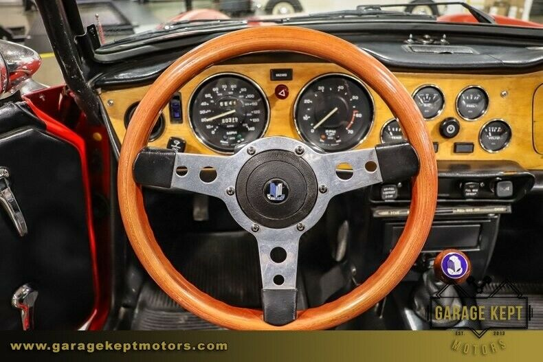 Image 4 Voiture American classic Triumph TR-6 1975