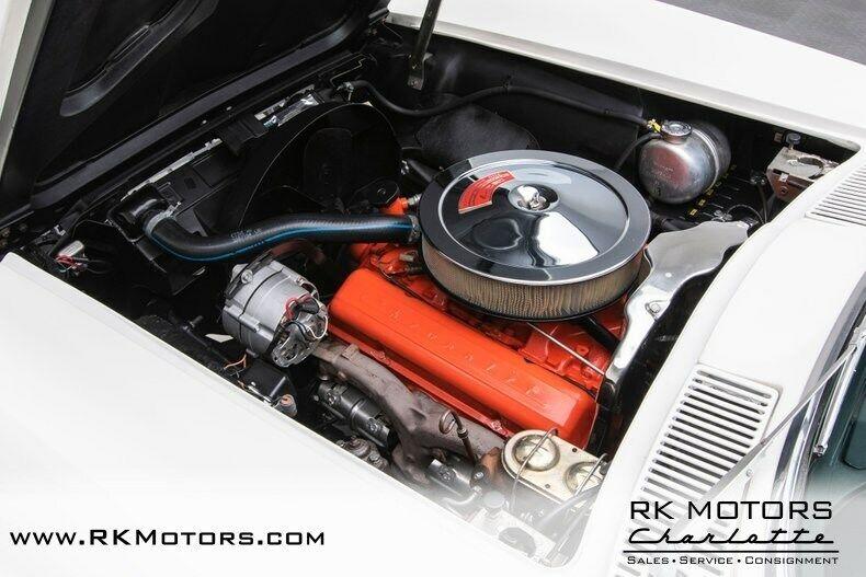 1967 White Chevrolet Corvette   | C2 Corvette Photo 4