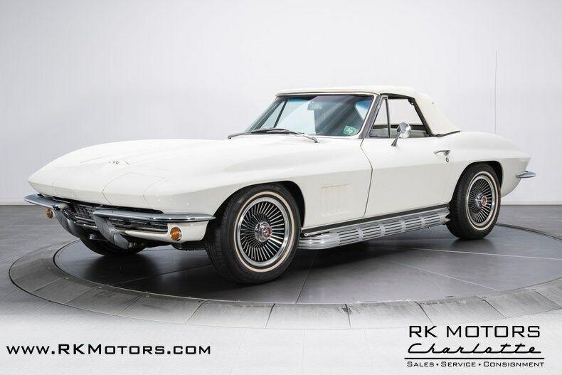 1967 White Chevrolet Corvette   | C2 Corvette Photo 7