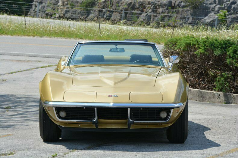 1969 Gold Chevrolet Corvette Convertible  | C3 Corvette Photo 4