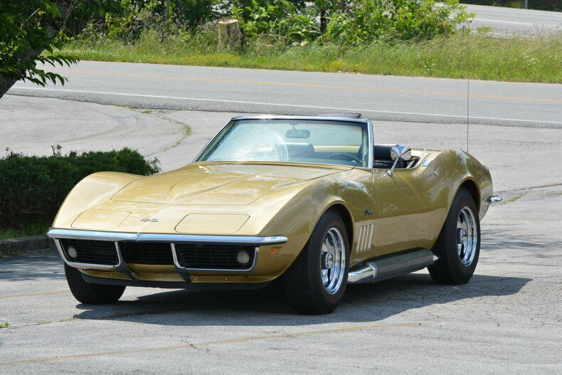 1969 Gold Chevrolet Corvette Convertible  | C3 Corvette Photo 3