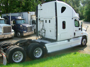 Freightliner Cascadia * REDUCED*