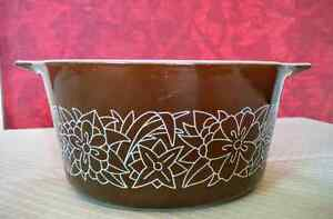 Vintage Pyrex Woodland Brown pattern Kitchener / Waterloo Kitchener Area image 1