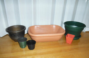 Get a Jump on Spring! Plastic Planters Bundle only $10!!