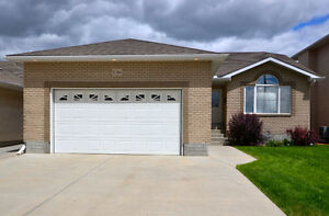 3 Bedroom home in Windsor Park - 3086 Cranbourn Crescent