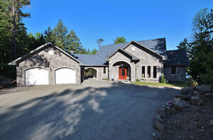 Rideau System Waterfront Home - 6170 Hwy 15 - Leo Lake -2+1 Beds