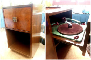 Perfect Little Nightstand Style 1930's Antique Record Player