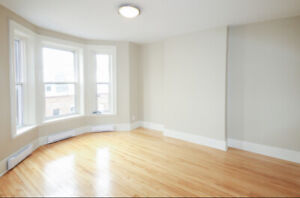 Large and bright 2 bedroom on Princess street - Uptown Living