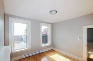 Large and bright 2 bedroom on Princess street - Uptown