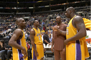 Autographed  Kobe ShaqL.A. Lakers Ball 2001-02 Champioship Team