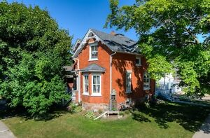 Commuting distance to KW!!Old world charm with tonnes of updates