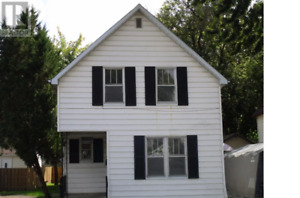 HOUSE FOR RENT IN WALLACEBURG