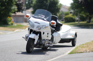 Gold Wing 2006 Fully Loaded, pristine condition