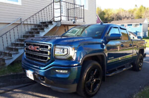 2017 GMC Sierra SLE Z71 Elevation edition 16000kms