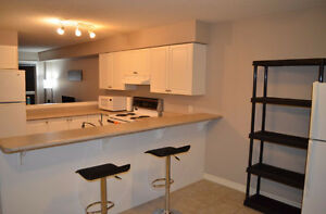 FEMALE ONLY- MONTH TO MONTH- ALL INCLUSIVE- SUMMER SUBLET London Ontario image 2