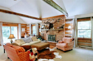 Collingwood Ski Chalet Rental (Dec - April) - Sleeps 11