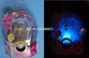 Disney Minis Princess Necklace Cinderella Foll Glows in Dark NEW