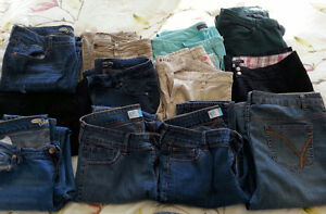 Huge lot of woman's pants (Sizes 8 to 12)