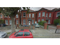 Furnished self-contained studio flat available in Cricklewood, Housing Benefit and DSS accepted.