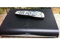 SKY + Plus HD Slimline WIFI BOX Amstrad DRX890 3D READY 500GB Satellite receiver with remote