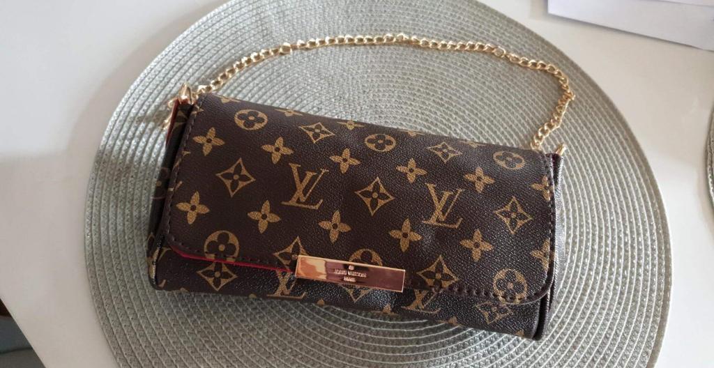 Louis Vuitton monogram clutch bag  fbe7fc91b41aa