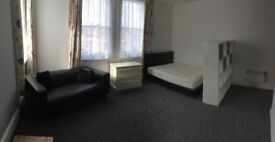 Sunny Studio Flat