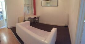 **Newly decorated 4 Bed House** PRIVATE OWNER