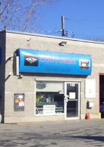 Local commercial Laval H7N 1H8