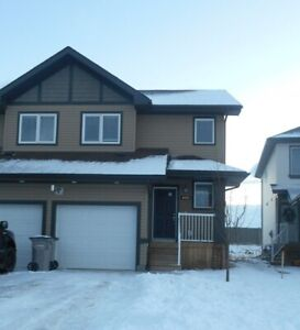 #5681- 3 Bed/ 1.5 Bath Duplex in Crystal Landing  Avail. July 1s
