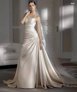Wedding Dress 12- Pronovias 'Haiti' stunning satin Bolwarra Heights Maitland Area Preview