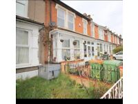 Double room for rent near to the east ham station