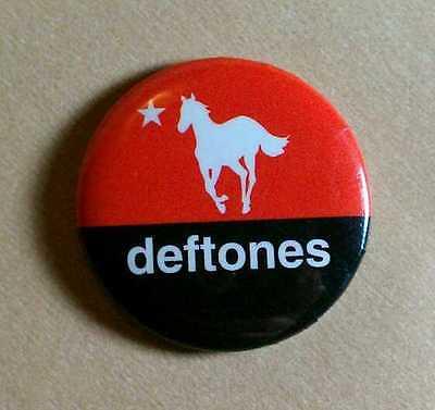 "DEFTONES WHITE PONY STAR RED BLACK CHINO 1.25"" MUSIC PIN PINBACK"