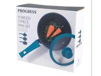 """Progress"" 3 Piece Teal Forged Aluminium Saucepan Set **BNIB**"