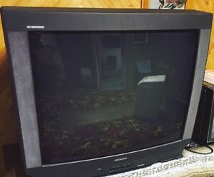 32 INCH HITACHI  TV EXCELLENT CONDITION