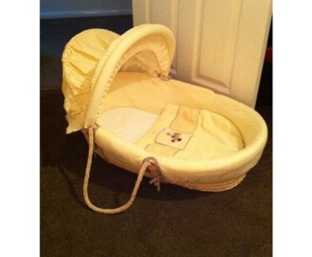 Mamas And Papas Moses Basket And Rocking Stand In