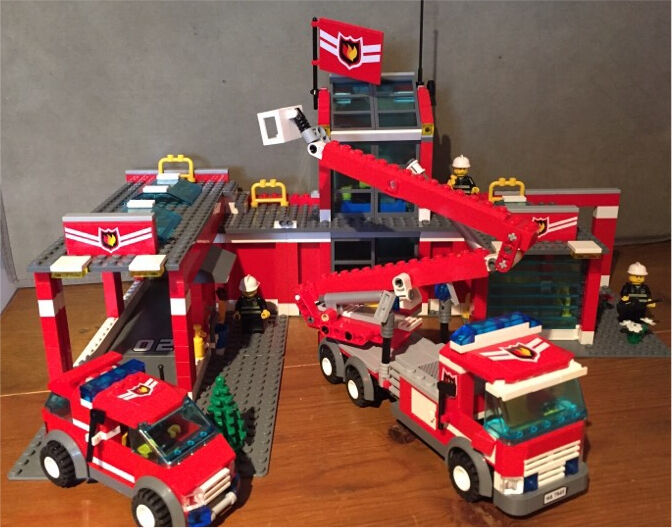 Lego City Fire Station 7945 In Crediton Devon Gumtree