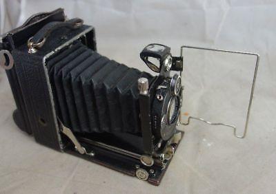 alte Kamera mit Rollex Patent Faltenkamera