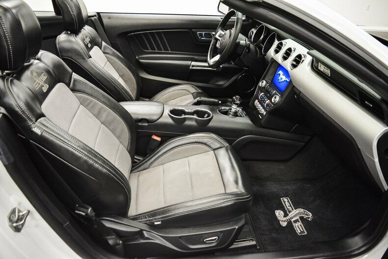 Image 24 Voiture Américaine d'occasion Ford Mustang 2017