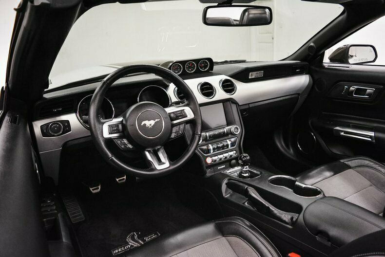 Image 22 Voiture Américaine d'occasion Ford Mustang 2017
