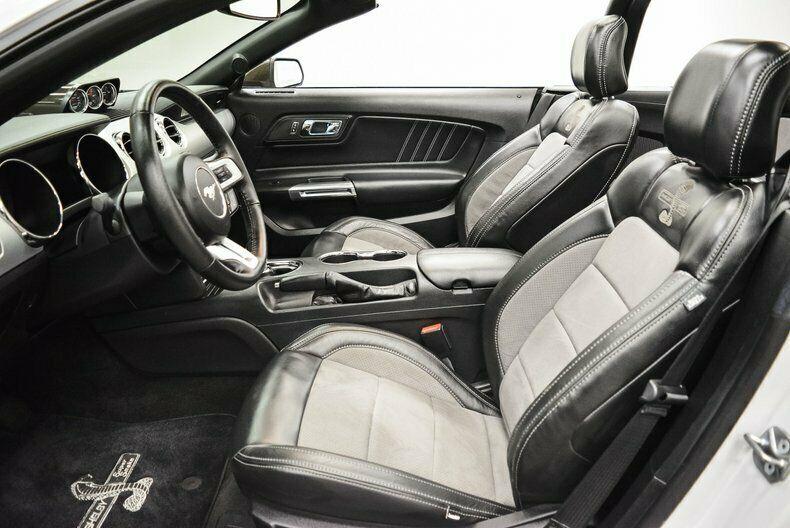 Image 20 Voiture Américaine d'occasion Ford Mustang 2017